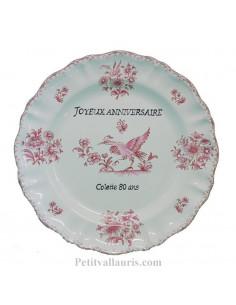 Assiette avec inscription personnalisée pour un anniversaire décor inspiration vieux moustiers rose