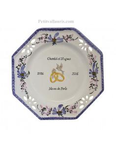 Assiette anniversaire de Mariage octogonale décor fleurs bleues