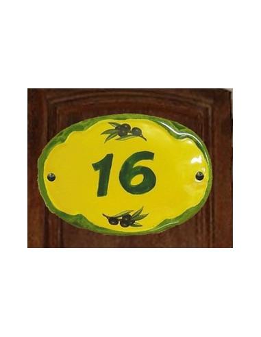 Plaque de porte ovale chiffre sur fond jaune décor olives noires