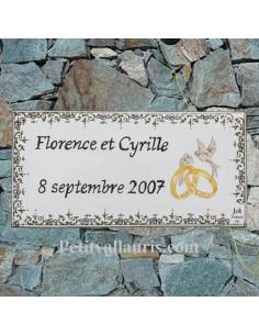 Petite plaque rectangulaire en faience décorée avec alliances et colombes pour anniversaire de maiage avec personnalisation