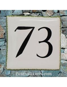 Numéro de maison en faience + chiffre noir personnalisé et bord vert