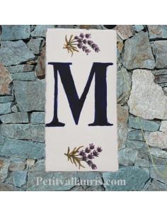 Plaque en faience Lettre (M) au détail décor Brin de Lavande