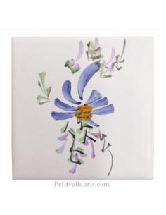 Motif artisanal sur Carreau décor guirlande fleuri bleu (1 fleurs) taille 10 x 10 cm