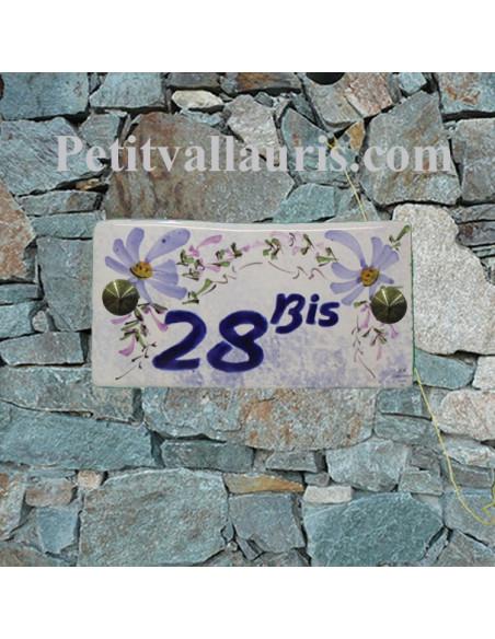 Plaque chiffre de maison faience émaillée décor fleurs bleues