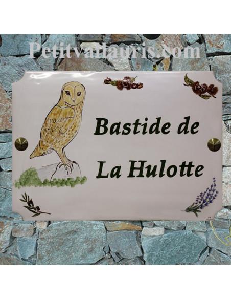 Grande plaque de maison en céramique modèle aux angles incurvés personnalisée motif Chouette Hulotte + personnalisation