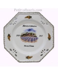 Grande assiette personnalisée souvenir de Mariage modèle octogonale motif champs de lavandes + mimosas