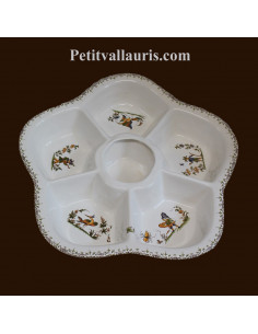 Grand plat à compartiment en faience pour l'apéritif ou l'entrée de couleur blanche reproduction décor tradition polychrome