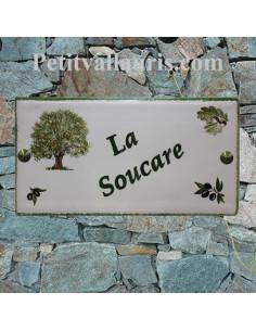 Plaque de maison en céramique émaillée décor artisanal chêne + gand + olives + inscription personnalisée