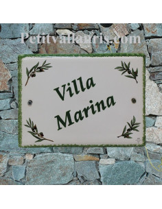 plaque de maison céramique décor brins d'olivier + inscription personnalisée verte