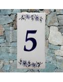 Numero de rue à coller en faience chiffre 5 motif fleurs tradition bleu
