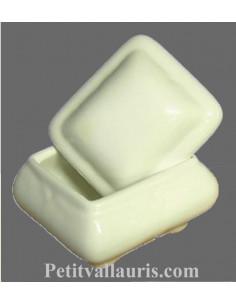 Petite Boîte à bijoux en faience blanche unie forme coussin