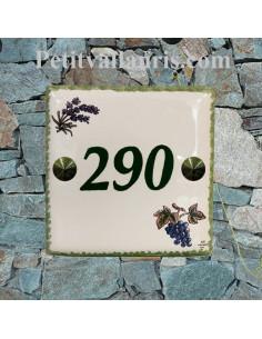 Plaque numéro de Maison en faience émaillée motifs brins de lavandes et grappe de raisin + chiffre personnalisé en vert