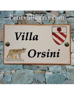 Grande plaque en céramique émaillée forme rectangle décor artisanal louve de Rome + armoiries + inscription personnalisée