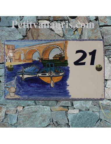 Plaque de Maison rectangle en céramique émaillée décor artisanal motif port des Goudes à Marseille + inscription personnalisée