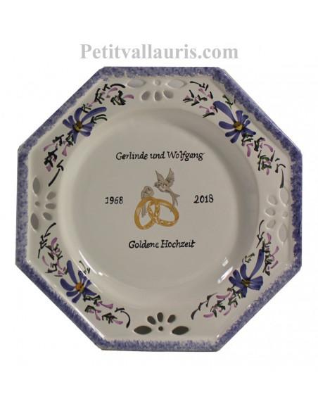Grande assiette cadeau souvenir de Mariage personnalisée modèle octogonale motif fleurs bleues