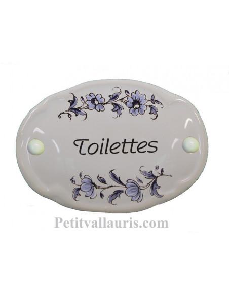 Plaque ovale de porte en faience blanche avec inscription Toilettes décor fleurs camaieux de bleu