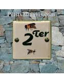 Numéro de maison en faience émaillée décor artisanal les abeilles + chiffre personnalisé
