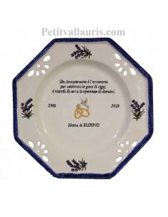 Grande assiette souvenir Mariage modèle octogonale gravure personnalisée motif brins delavandes
