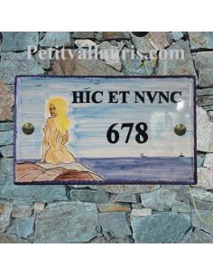 Plaque de Maison rectangle en céramique émaillée décor artisanal motif naïade de l'ile du levant + inscription personnalisée