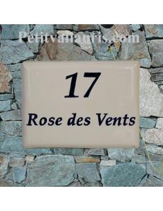 plaque de villa en céramique blanche avec inscription personnalisée bleue