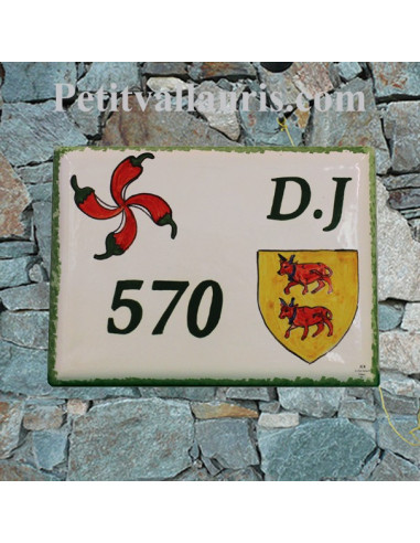plaque de maison en céramique émaillée décor croix basque et sigle du bearn + inscription personnalisée