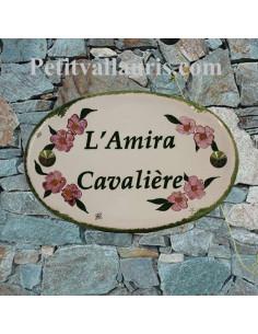 Plaque en céramique émaillée pour maison de forme ovale décor artisanal fleurs Lauriers roses +personnalisation