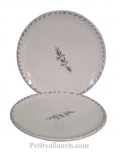 Assiette à dessert ronde en faience blanche décor artisanal fleurs de lavande mauve-parme collection Nana'60