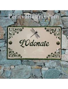 Plaque de Villa en céramique modèle rectangle motif artisanal art déco-arabesque et libellule + personnalisation