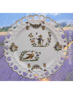 Assiette en faience blanche modèle Tournesol décor reproduction moustiers polychrome