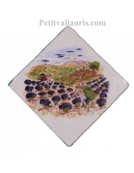 Décor sur carreau mural 10x10 cm en faience blanche motif cueillette des lavandes pose diagonale