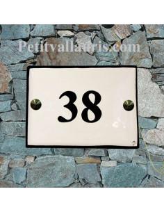 plaque de signalisation en céramique émaillée blanche bord noir + inscription personnalisée