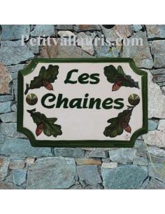 Plaque de Maison en céramique aux angles incurvés motif artisanal feuilles de chêne + gravure personnalisée