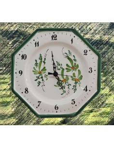 Horloge murale en faïence blanche modèle octogonale décor artisanal fleurs vertes
