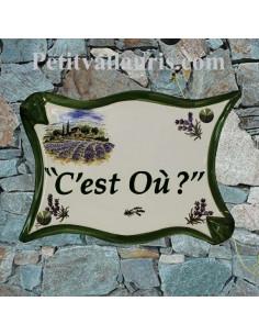 Plaque de maison  en céramique modèle parchemin motif mas et champs de lavande + personnalisation verte