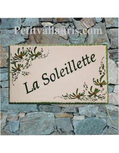 Plaque pour villa rectangle en céramique décor artisanal fleurs vertes + personnalisation