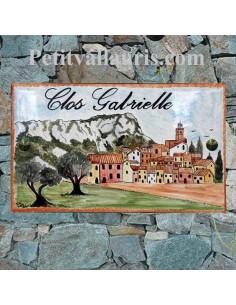 Plaque de maison rectangle en céramique émaillée décor artisanal motif village de provence + inscription personnalisée