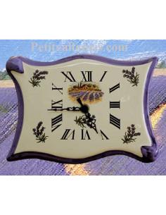 Horloge-pendule murale en faïence modèle parchemin décor bastide et champs de lavande