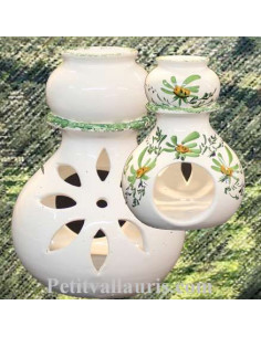 Brûle-bruleur de parfum en faïence blanche décor artisanal fleurs vertes