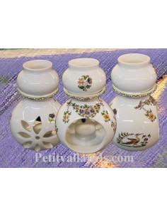Brûle-bruleur de parfum en faïence blanche décor reproduction vieux moustiers