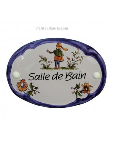 Plaque de porte modèle ovale décor tradition motifs polychrome et bord bleu avec inscription Salle de Bain