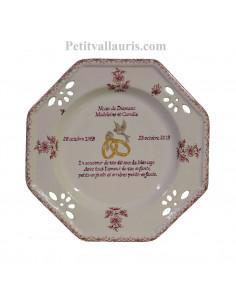 Grande assiette de Mariage modèle octogonale décor fleurs tradition rose. Poème 60 ans noces de Diamant