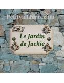 Plaque de Maison en céramique aux angles incurvés reproduction vieux moustiers inscription personnalisée