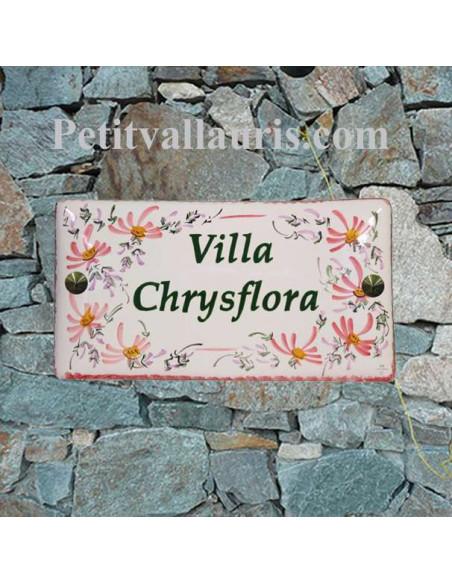 Plaque de Maison en céramique émaillée rectangle décor fleurs roses aux angles inscription personnalisée bord verte