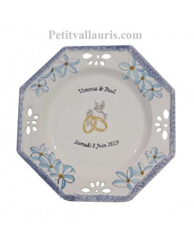 Grande assiette anniversaire de Mariage modèle octogonale personnalisée décor fleurs de frangipanier