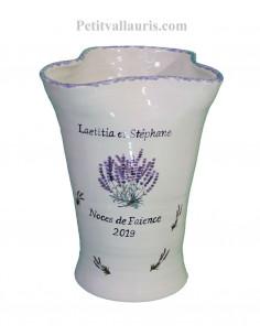 Vase modèle Glaïeul en faïence décor bouquets de lavande avec inscription personnalisée pour noces