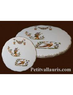 Dessous de plat rond en faience blanche décor reproduction vieux moustiers polychrome