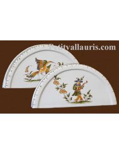 Porte serviette de table en faience blanche décor reproduction vieux moustiers polychrome