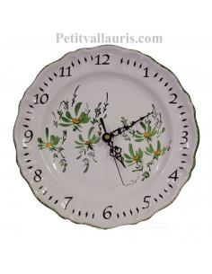 Horloge -Pendule en faïence modèle louis xv décor artisanal fleurs vertes