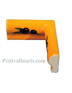 Listel d'angle droit concave modèle corniche en faience émaillée couleur jaune provençal motif olives noires