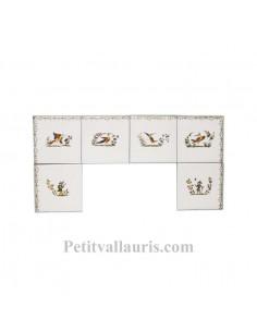 Carreaux avec frise et motifs pour décoration lave-main